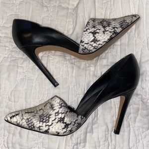 "Aldo snakeskin cream & black pumps; 4"" heel size 6"